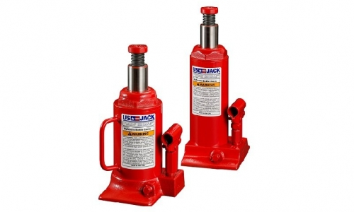 Specially Designed Hydraulic Jacks Allow for Versatility