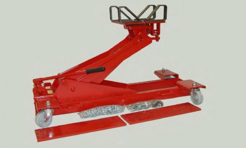 Upgrade Vehicles More Easily with a Dependable Hydraulic Transmission Jack
